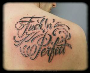 Fuck in perfect-como tattoo shop via volta 49