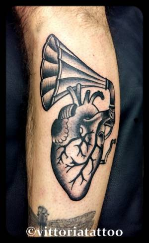 Heart-gramophone-tattoo