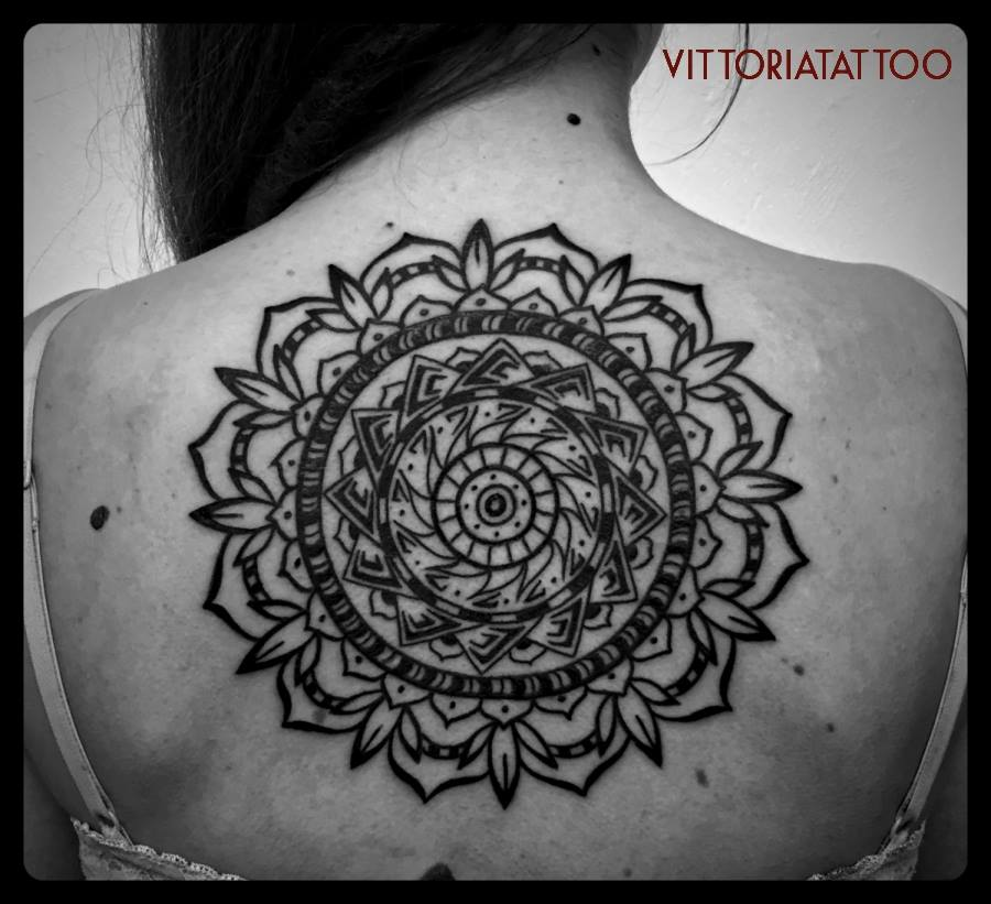 Black-White Tattoo serie Big Mandala on Back