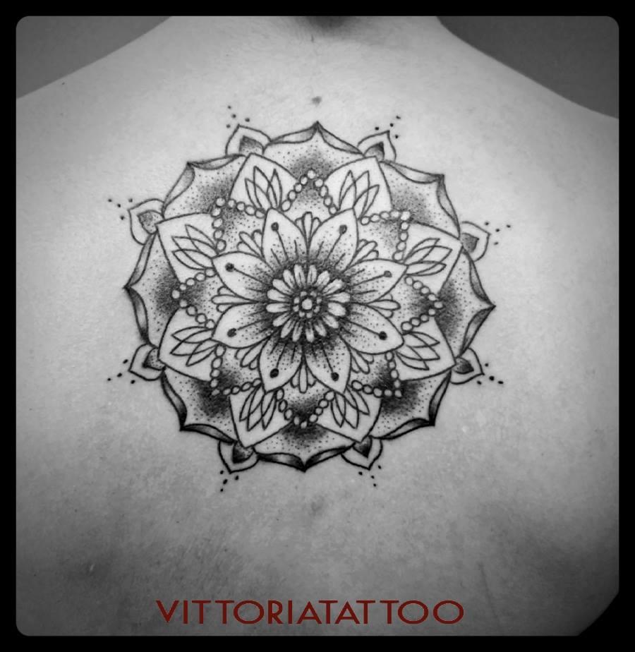 Black-White Tattoo serie Mandala
