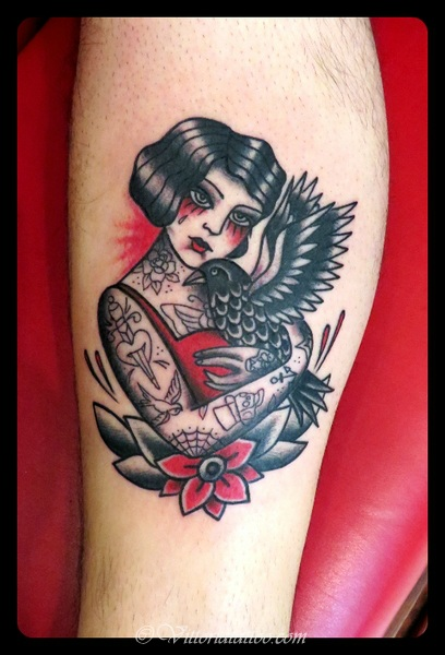 Girl-with-crow-tattoo