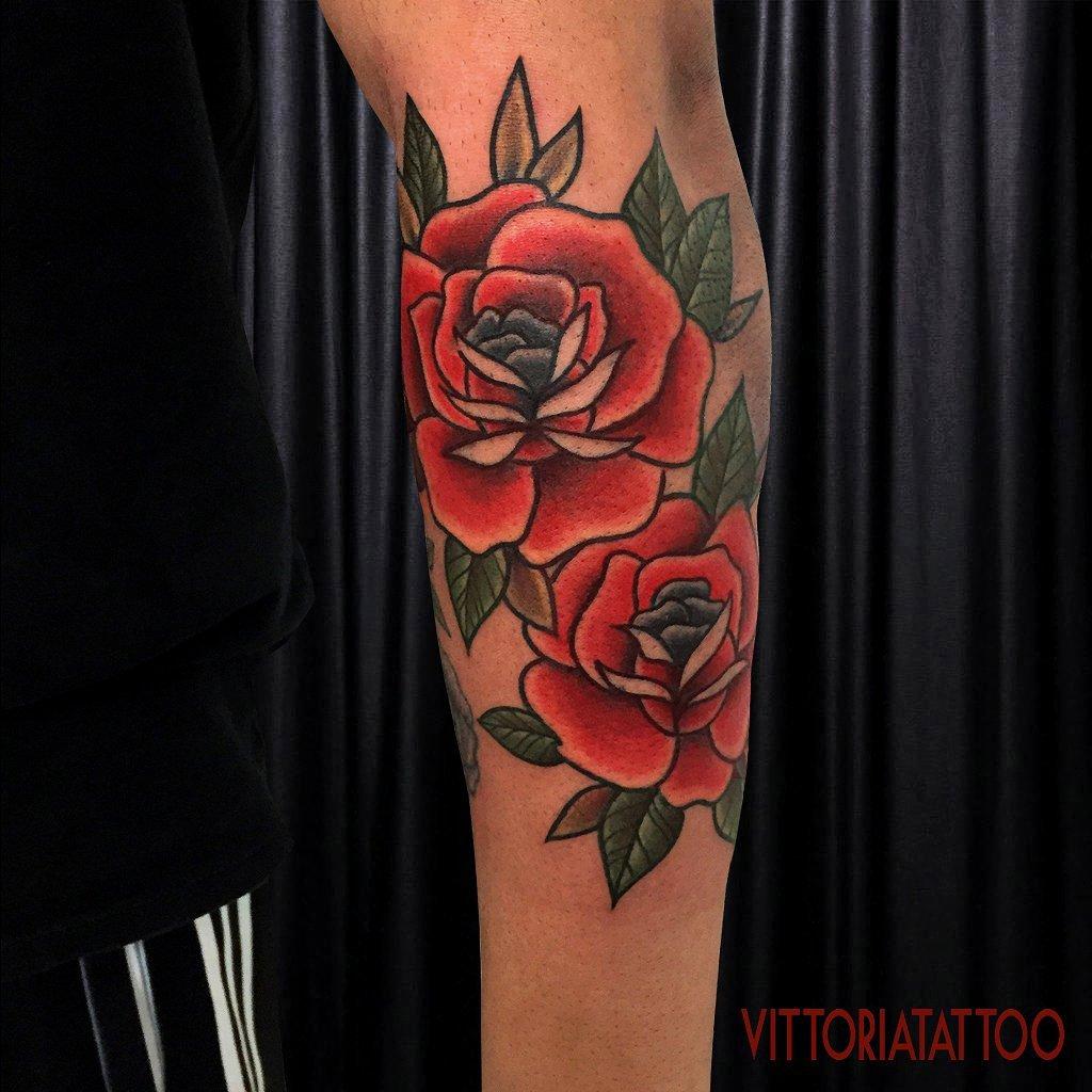 double-roses-tattoos-tattoocomo-vittoria