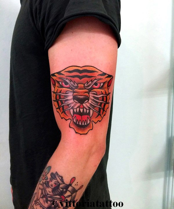 old school tiger tattoo-tatuaggi como Vittoriatattoo