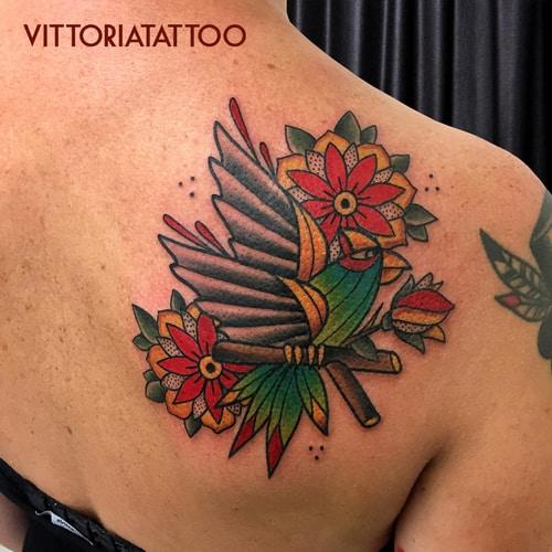 parrot-tattoo-como