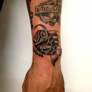 Lantern Fish Tattoo- tattoo shop como Vittoriatattoo