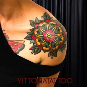 mandala flower como tattoo