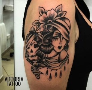 woman-and-the-death-tattoo-vittoria