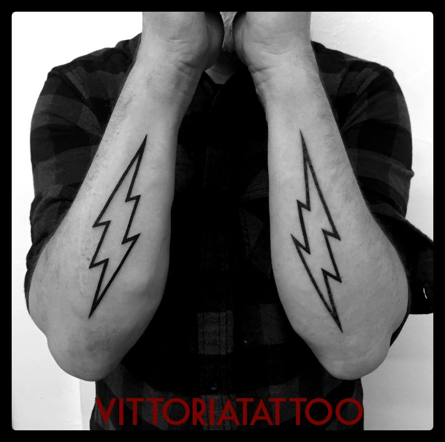 lightning tattoo|tattoo como|vittoriatattoo