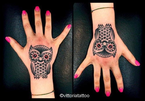owl hand tattoo by toya vittoria|Como Tattoo|via volta 49 Como