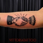 Old-school-handshake-tattoo-tattooshopcomovittoria